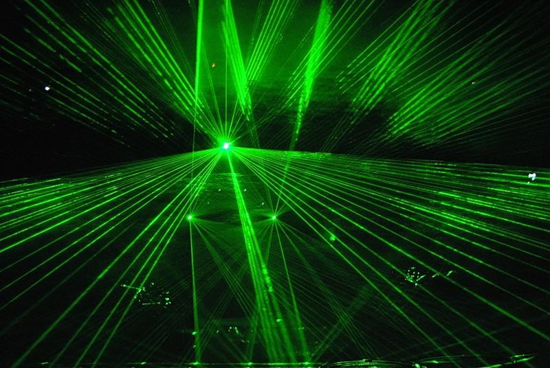 Лазер «лучевые эффекты и плоские картинки»